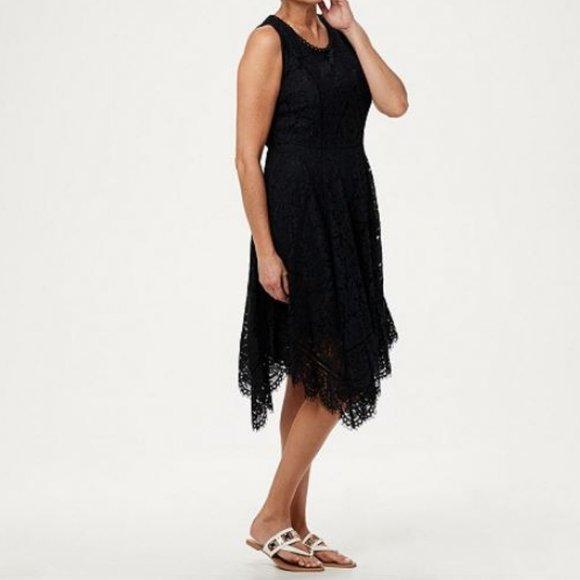Isaac Mizrahi Dresses & Skirts - Isaac Mizrahi Handkerchief Hem Lace Midi Dress